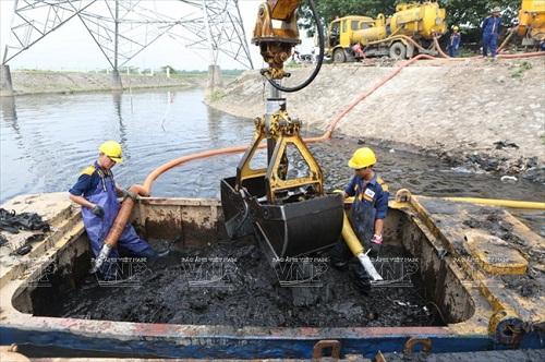 vệ sinh môi trường sông