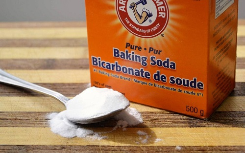 tẩy bồn cầu bằng Baking Soda